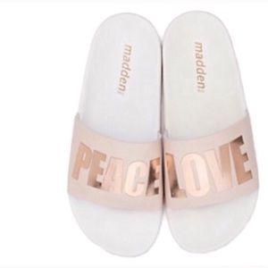 Madden nyc zzen slide sandals